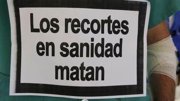 Manifestation contre les réductions de budget dans les soins de santé en Espagne