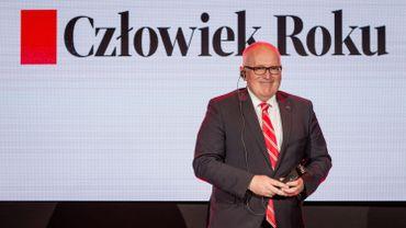"""Pologne: Timmermans fait """"Homme de l'Année"""" par un grand quotidien d'opposition"""
