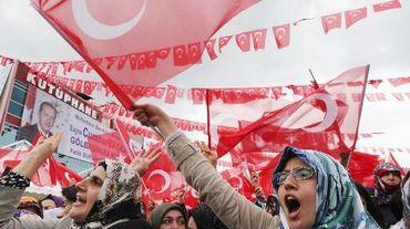 Des partisans du président turc Recep Tayyip Erdogan lors d'un meeting le 5 juin 2015 à Ankara