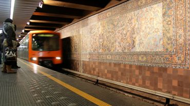 Une oeuvre de Walter Leblanc à la station Simonis à Koekelberg