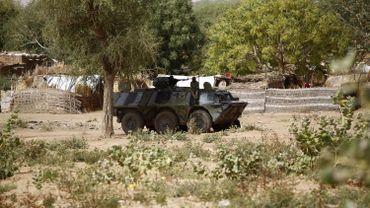 Des forces de sécurité soudanaises, à Al-Genaïna, au Darfour-Occidental, le 2 avril 2016.