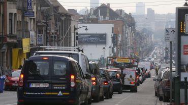 Taxe kilométrique à Bruxelles : motion wallonne adoptée à l'unanimité contre une taxation kilométrique à Bruxelles.