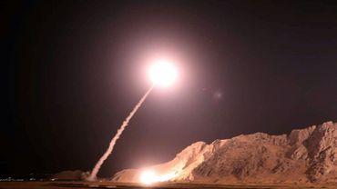 Photo diffusée par les Gardiens de la révolution iraniens du lancement de missiles sur l'est de la Syrie, le 1er octobre 2018