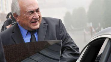 """Carlton de Lille: relaxe """"pure et simple"""" requise pour DSK"""