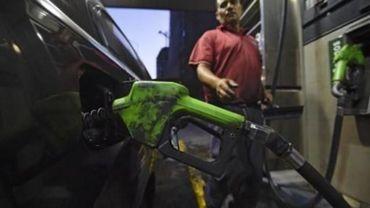 Venezuela: le président Maduro augmente le prix de l'essence et dévalue la monnaie
