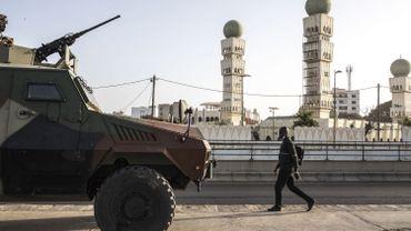 Sénégal: un juge relâche l'opposant Sonko, Dakar sous la protection des blindés de l'armée