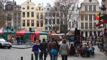 La marche est devenue le premier mode de déplacement à Bruxelles, devant la voiture.