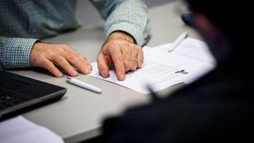 Tous les bénéficiaires du revenu d'intégration sociale vont devoir conclure un contrat avec leur CPAS