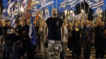Des militants du parti néonazi Aube Dorée devant le Parlement à Athènes le 29 mai 2013