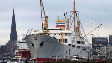 Le dernier des anciens bateaux coloniaux belges coule avant d'arriver à la casse.