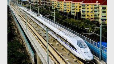 Un train à grande vitesse chinois à Shanghai le 26 octobre 2010