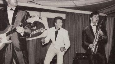 Le 26 juillet 1964, Johnny Hallyday à Flagey, à la Maison de la Radio Télévision dans l'émission Face au Public