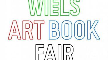 La foire aux livres d'art au WIELS