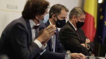 """Comité de concertation à 13h: des mesures longues, et """"plus dures"""" contre le coronavirus, mais lesquelles?"""