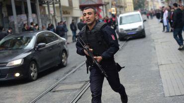 """Le """"kamikaze"""" a été identifié comme Mehmet Öztürk, originaire de Gaziantep (sud) près de la frontière syrienne."""