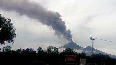 Le volcan Ulawun est en éruption