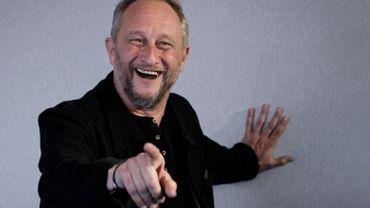 Edouard Baer tease son prochain film, avec Benoît Poelvoorde et François Damiens