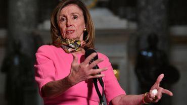 """Plan d'aide économique aux Américains abandonné: Trump """"fait passer son intérêt avant celui du pays"""", dénonce Pelosi"""