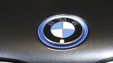 tandis que les livraisons de BMW ont grimpé en Asie (+13,6%) et se sont maintenues en Europe (+0,9%), elles ont chuté de 2% aux Etats-Unis.