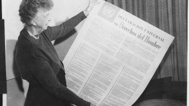 """Le texte de 1948 reste, selon le mot du juriste français René Cassin, qui participa à son élaboration, """"le premier manifeste que l'humanité organisée ait jamais adopté""""."""