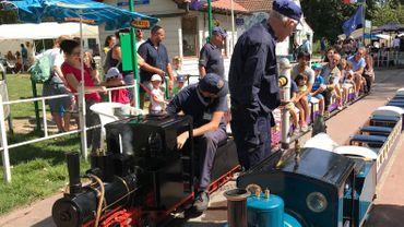 """Le Petit Train à Vapeur de Forest: """"Tout est miniature, sauf le conducteur qui est à taille humaine"""""""
