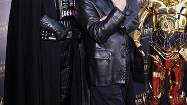 L'acteur américain Mark Hamill dans les bras de Dark Vador