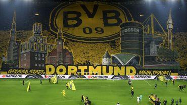 Dortmund s'illustre encore avec un superbe tifo contre Francfort