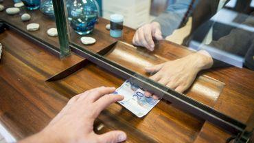 Une banque belge va faire payer ses clients pour déposer de l'argent