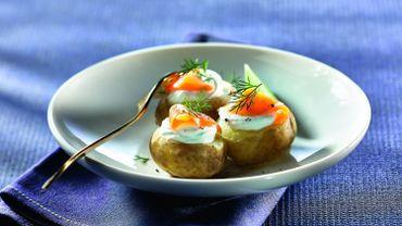 Pommes de terre en chantilly de chèvre et aneth, lanières de truite fumée