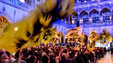 Le Vlaams Belang à nouveau premier parti en Flandre, le PS se tasse en Wallonie, selon un sondage