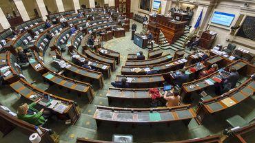 La Chambre approuve une résolution pour aider les bi-nationaux à renoncer à leur deuxième nationalité