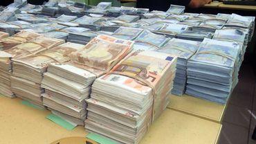 Au total, pas moins de 4 millions d'euros ont été découverts en Belgique lors de ces perquisitions menées dans le cadre de deux affaires (illustration).