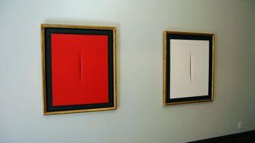 """Deux des tableaux de type """"Concetto Spaziale"""" de Fontana exposés à New York"""