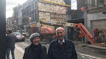 """Madeleine Mairlot, présidente de """"SOS Mémoire de Liège"""" et Joseph Delhaxhe, président du """"Vieux Liège""""."""
