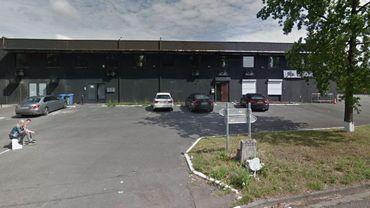 """La discothèque """"Le Premium"""", théâtre de coups de feu ce week-end, a été fermée par le bourgmestre."""