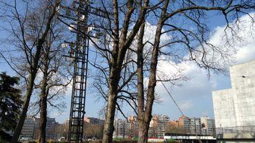La Tour cybernétique de N. Schöffer, à proximité du Palais des Congrès de Liège.