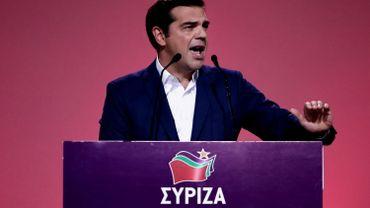 L'immense majorité des quelque 2700 délégués du congrès du parti a suivi Alexis Tsipras, alors que des critiques lui reprochaient d'avoir trahi en concluant l'an dernier un plan de sauvetage de plusieurs milliards d'euros avec l'Union européenne en échange de mesures d'austérité.