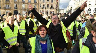 """Les """"gilets jaunes"""" de retour au coeur de Paris pour une nouvelle journée d'action"""