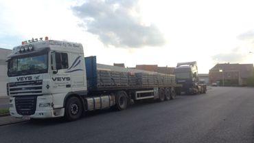 La police a estimé qu'environ 120 poids-lourds stationnent les nuits et les week-ends dans l'agglomération mouscronnoise.