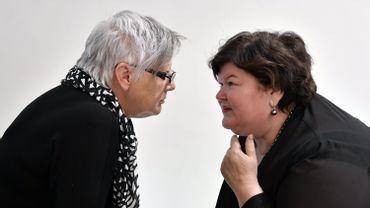 Muriel Gerkens, députée fédérale Ecolo, face à la ministre Maggie De Block.