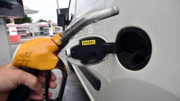 Salon de l'auto: Faut-il enterrer le diesel?