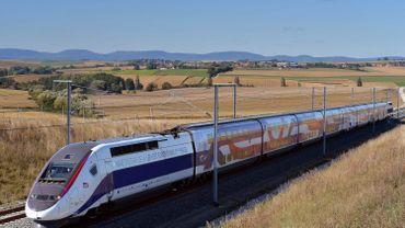 Après environ deux heures et demie d'attente, les passagers ont pu remonter dans le train.