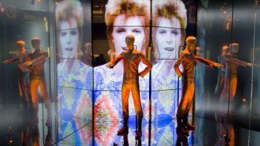 """L'exposition """"David Bowie is"""" sera disponible en VR sur mobile à l'automne 2018"""