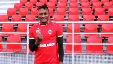 Le défenseur congolais Luete Ava Dongo signe à l'Antwerp