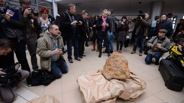 La météorite rare a été découverte le 25 octobre à Poznan Magdalena Skirzewska and Lukasz Smula par deux géologistes d'Opone, une ville de Silésie.