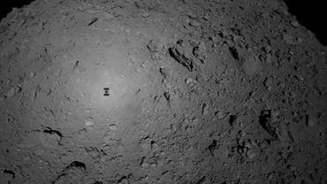 Photo fournie par l'Agence spatiale japonaise le 3 octobre 2018 montrant l'astéroïde Ryugu