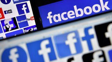 Facebook fait la promotion d'une nouvelle réglementation européenne sur la protection des données en se payant une page de publicité dans plusieurs journaux européens le 16 avril 2018