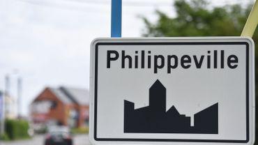 A Philippeville, la police locale a renforcé ses patrouilles devant les écoles (illustration).