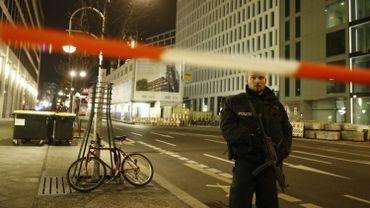 Attentat de Berlin: chasse à l'homme pour retrouver l'auteur de l'attaque