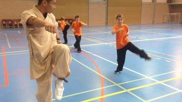 On s'applique, face aux moines Shaolin...